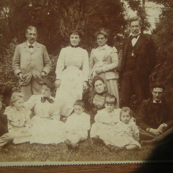 Augusto Hoffman y Familia